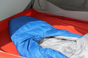 This image shows the Sierra Design Backcountry Quilt 700 foot box.