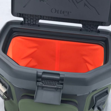 This photo shows the OtterBox Trooper 20 soft-sided cooler with the lid open.