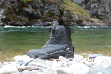 This Devil's Canyon wading boot review photo shows the Devil's Canyon wading boot near a river.