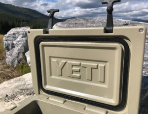 This photo shows the YETI Roadie 20 lid and gasket.