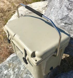 This photo shows the top of the YETI Roadie 20 cooler.