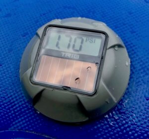 This review photo shows the TRīB airCap Pressure Gauge in a closeup.