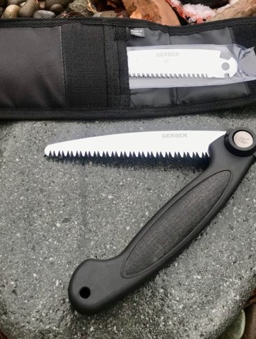 This photo shows the Gerber Exchange-A-Blade saw.