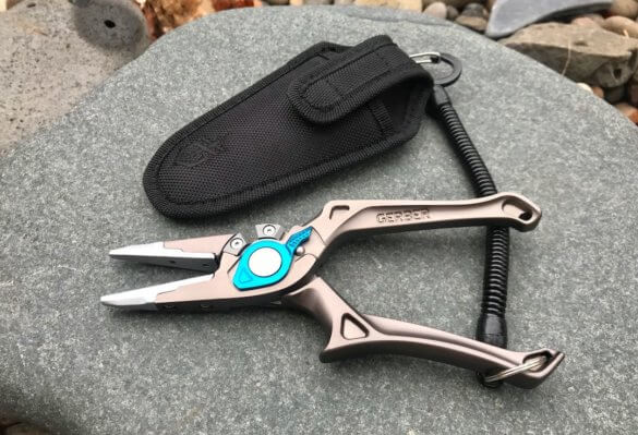 This photo shows the Gerber Magniplier Salt with the included sheath and lanyard.