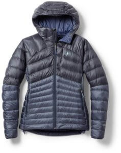 This image shows the women's REI Co-op Magma 850 Down Hoodie 2.0.