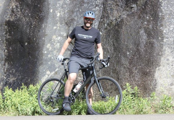 This photo shows the author having a great time while riding the Topstone AL 105 in Idaho.