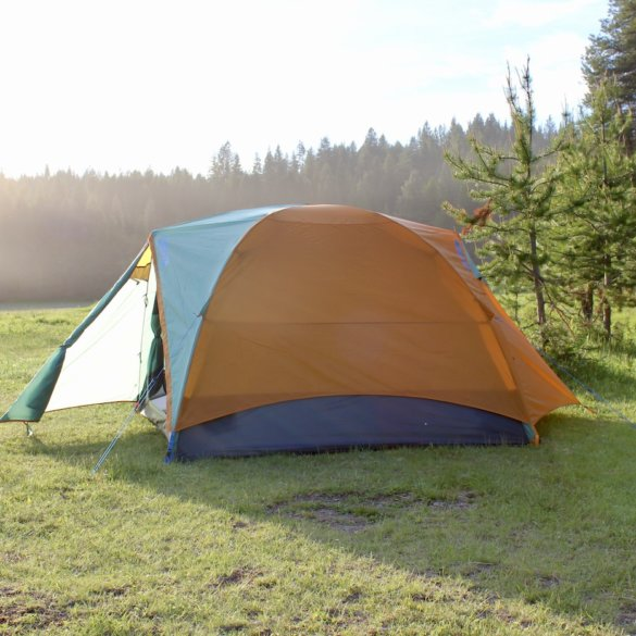 This testing and review photo shows the Kelty Wireless 4 Tent setup during a camping trip.