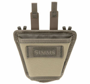 This photo shows the Simms Flyweight Net Holster.