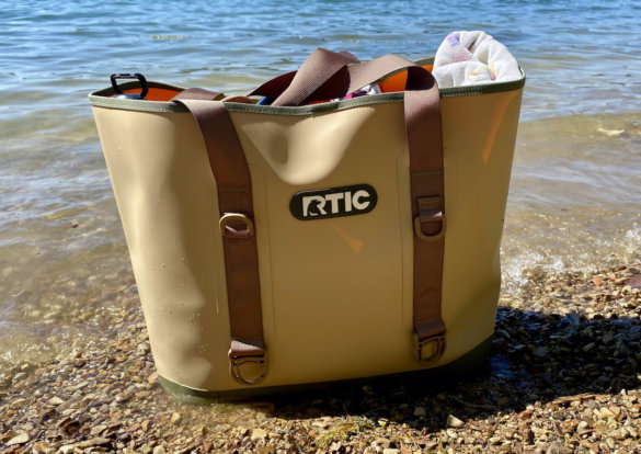 This photo shows the D-loops on the RTIC Tote Bag.