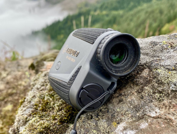 This photo shows the eye-cup on the Leupold RX-1400i rangefinder.